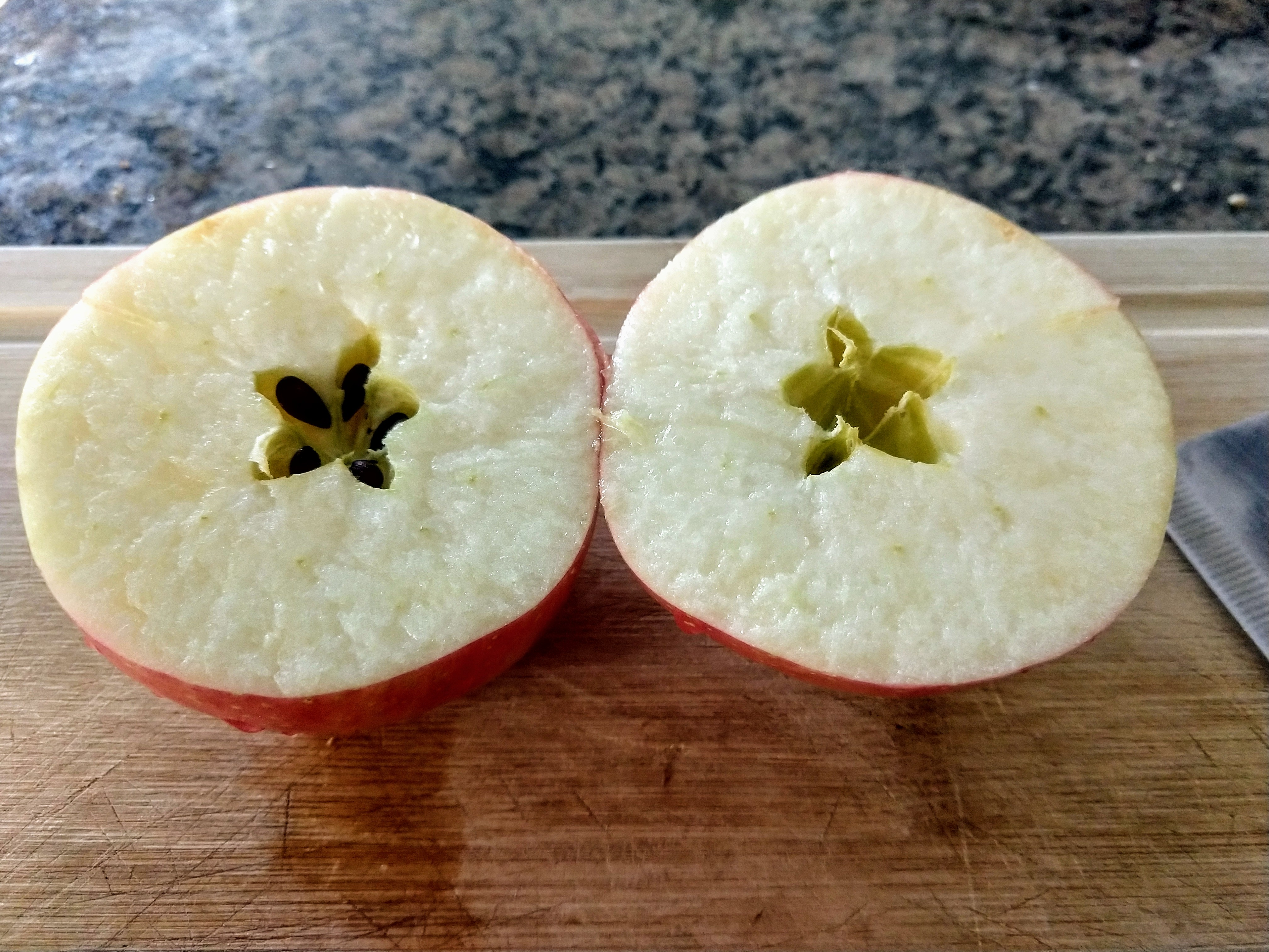 Apple dissecting